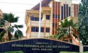 Anggota DPRD di Bekasi Tetap Kerja Meski Masa Baktinya Habis