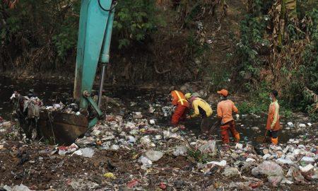 Tumpukan Sampah Kali Jambe Viral di Medsos, Pemkab Bekasi Mulai Berbenah