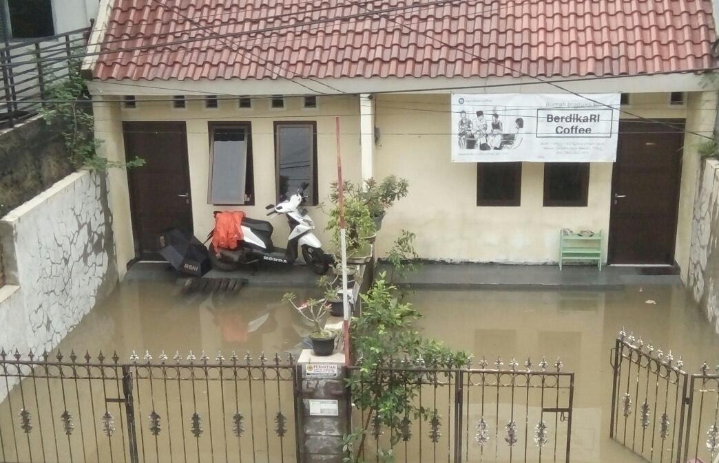 Kisah Pilu Korban Banjir Kayuringin Bekasi