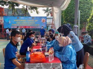 Proses screening napi Lapas Kelas IIA Bekasi untuk dilakukan vaksinasi covid, Selasa (19/7/2021). Foto: Gobekasi.id